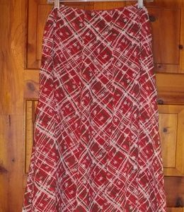 NWOT,Pretty red patterned skirt.